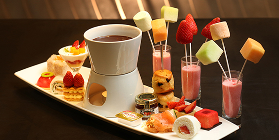 MPHKH Lobby Lounge Easter Strawberry Afternoon Tea.jpg