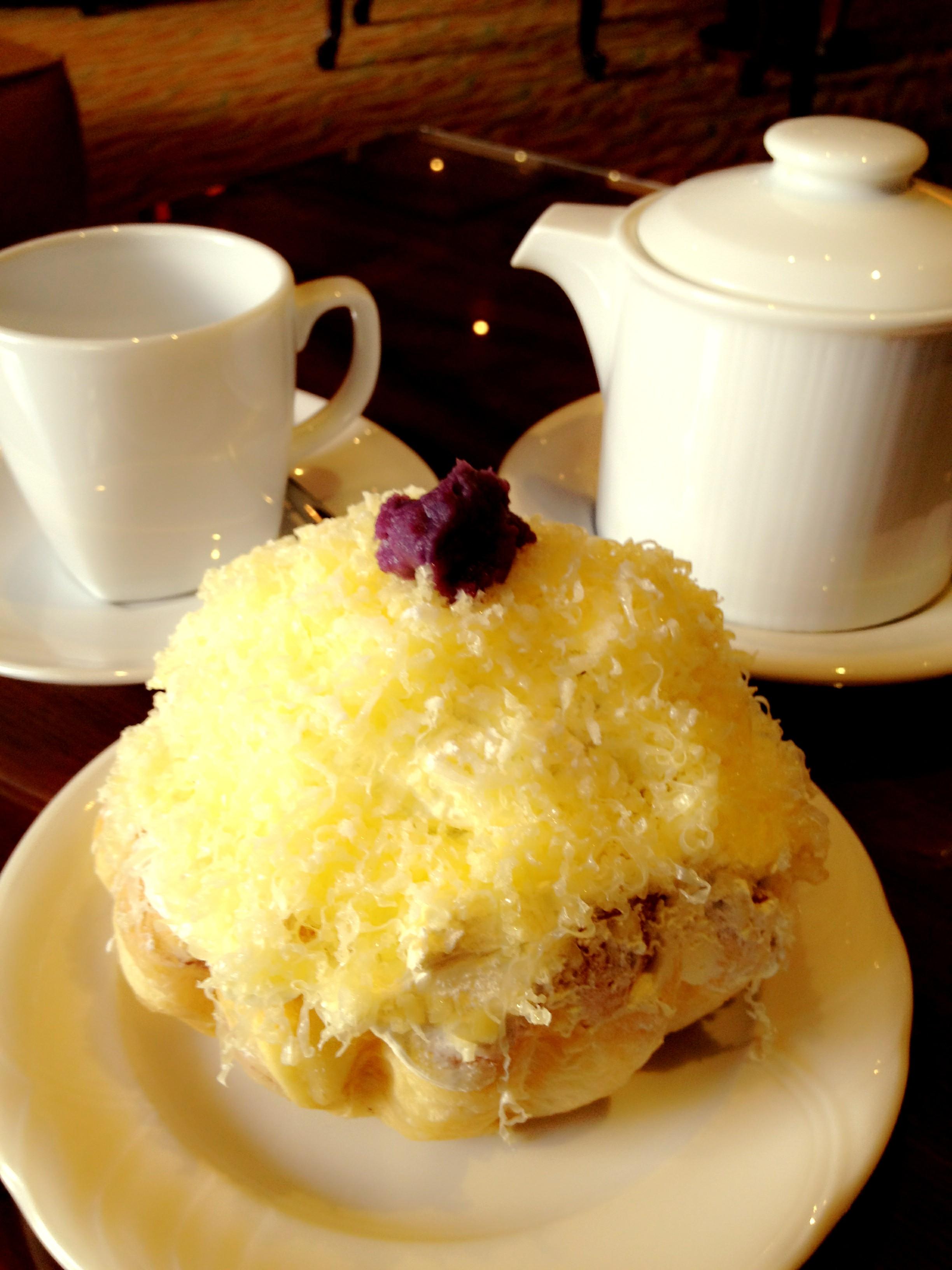 ensaymada and tea.JPG
